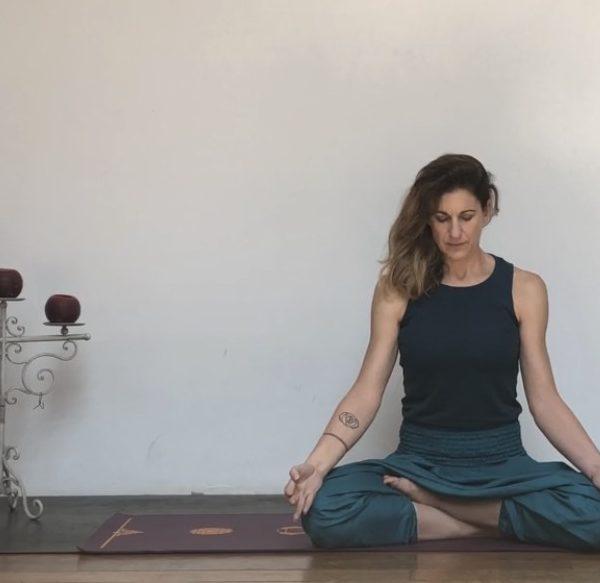 Gli 8 passi dello Yoga nella pratica